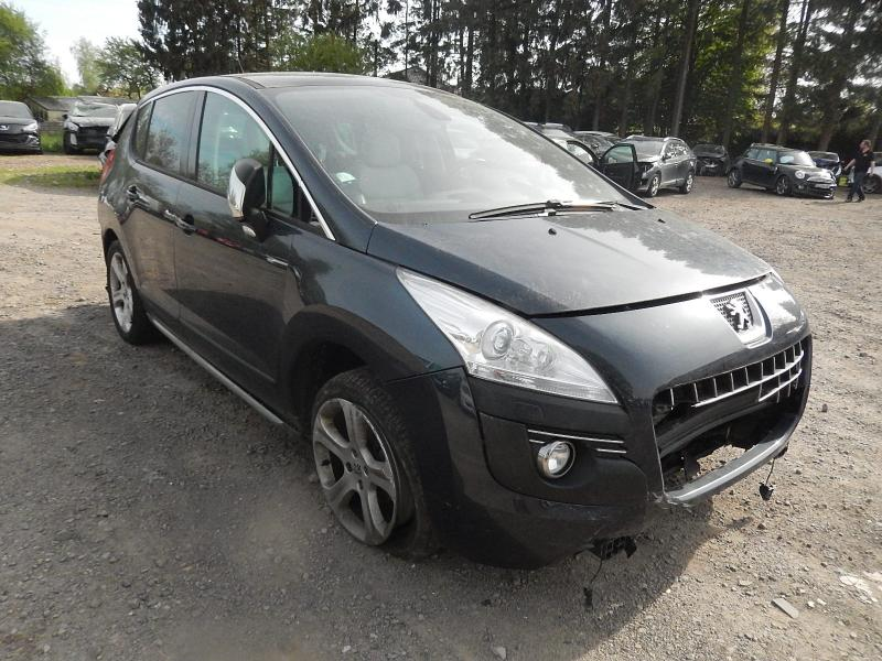 PEUGEOT 3008 1,6 HDI FELINE accidenté