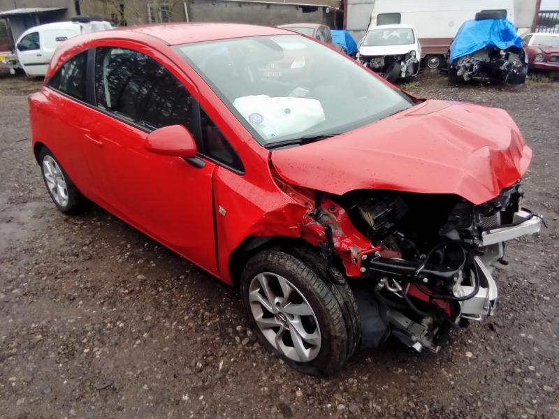 OPEL CORSA 1,4 90 accidenté