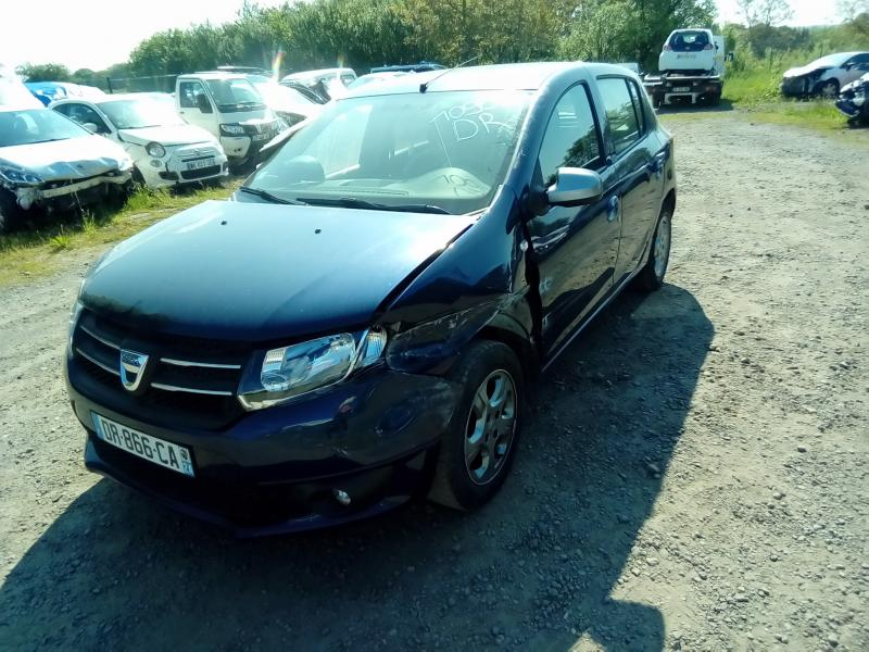 DACIA SANDERO 1,2 16V 75 CV 10 ANS accidenté