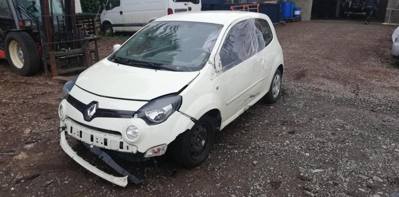 RENAULT TWINGO  1,5 DCI accidenté