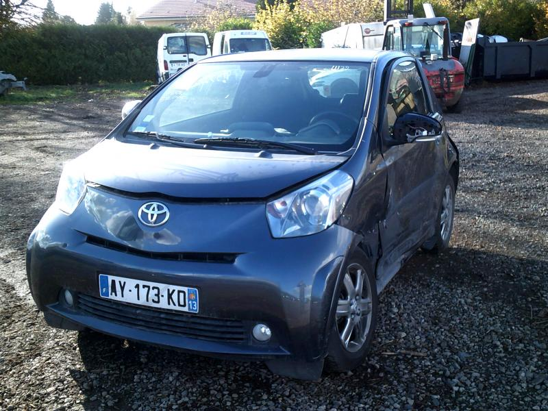 TOYOTA IQ 1,0 VVT-I  accidenté